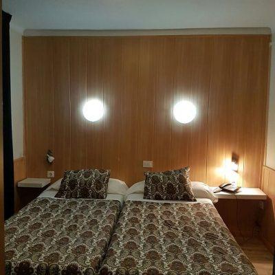 Room Comapedrosa